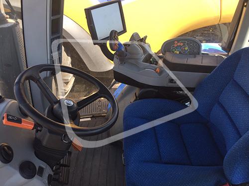 Трактор NEW HOLLAND кабина
