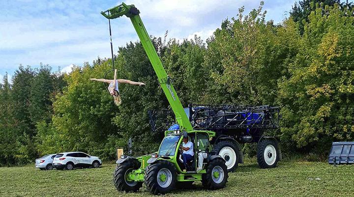 Полетехника на Дне поля